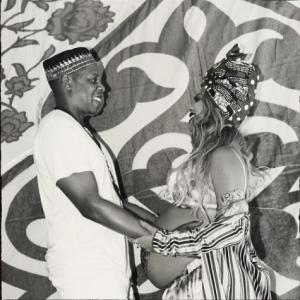 Beyonce gave birth to twins, it's been confirmed. Congratulations to Beyonce and Jay Z! Boy and girl, two girls, or two boys? - BabyNames Celebrity Baby Blog