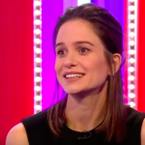 Fantastic Beasts actress Katherine Waterston is pregnant! Find out the unique way she announced the big news. - BabyNames.com Celebrity Baby Blog