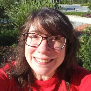 Marilyn Soglin headshot smiling